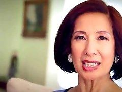 64 ročný Milf Kim Anh hovorí o Análny Sex