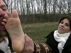 UI041-In the Country With Leila-Foot Fetish Abjection