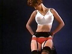 PLÝTVÁNÍ MŮJ ČAS - vintage nylon striptýz punčochy