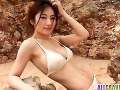 Kumada Yoko big-boobed is romantic in nature