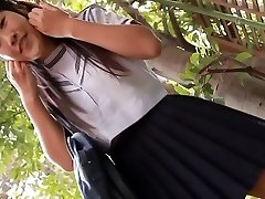 softcore aziatische schoolmeisje upskirt panty tease