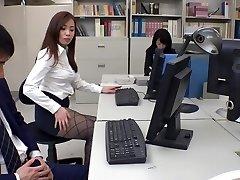 Εξωτικό Ιαπωνικό μοντέλο Ρεμί Sasaki, Ρεν Αγιάσε, Miyuki Ojima, Hikaru Shiina στο πιο Hot γραμματέας, δύο JAV κλιπ