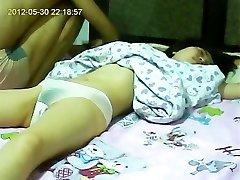 挠痒痒的女朋友中国