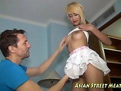 Tall Thai Woman Pleasure Of Tight Anus