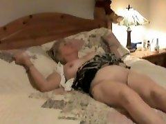 Skrytá kamera ukazuje zrelé čistiť, aby sa orálny sex