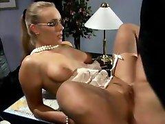 Secretary fuckes her boss still in her nylons in the office