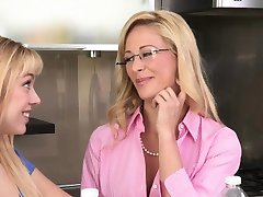 Asslicked threeway stepmom cumswaps with teen