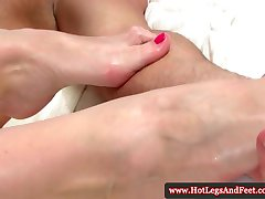 Kathie Nobili bråkade med hennes fötter