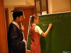 Russo Studentessa Nellie 2