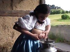 Tradizionale tedesco cameriera latte