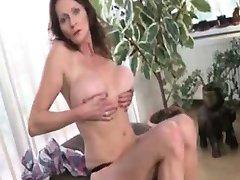 Nasty mature slut gets horny taking part4