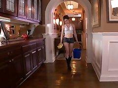 Jenna Ross hraje Domácnosti 1 kluk 1 holka