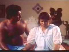Sexy & Hot Huge Boobs Mallu Aunty's oil Massage