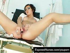 Nastolatek pielęgniarka Nina perwersyjne cipki rozciąganie