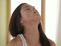 Exclusive art threesome with hot models