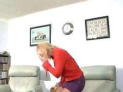 milf spanking