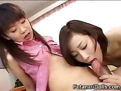Les filles Futanari Baby-Sitters!