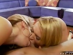 Two blondes hookup deepthroat