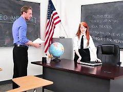 InnocentHigh - Mielas Redhead Studentų Fucks Dramos Mokytojas