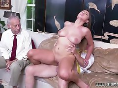 Teen gets fucked by friend and mom squirts