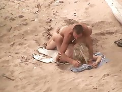 Voyeur on public beach. Hot young couple sex3