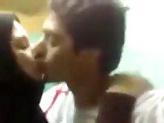 arabska para gorących pocałunków