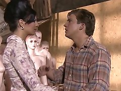 KimKim de Scharfer seks w mit geilen Пуппен (scena 7)