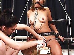 Wzrost orgazm bondage