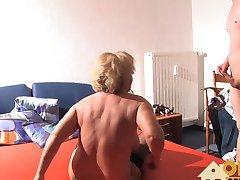 Die Oma vom Nachbarn genommen