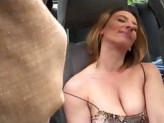 Chicos sexo chicas calientes en coche aparcado