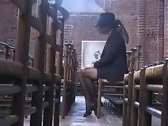 Beate Dumas - La Veuve lohduttajaa par des bricoleurs