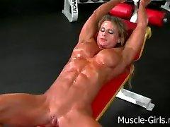 Masiva muscular arrancó Culturista Femenina de entrenamiento de gimnasio