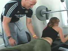 Loretta Loren blir knullet på treningsstudioet