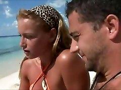 Miesiąc miodowy kobieta cheat na plaży