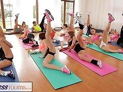 FitnessRooms אחרי שיעור ספורט מזיע סקס, מפגשים