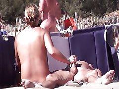 Beach Couple 02