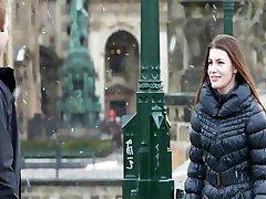 Tjeckiska skönhet passionerat knullar hennes pojkvän