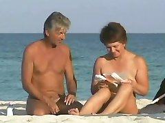 Une belle vue sur la Plage de nudistes