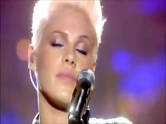 clip sexuel de la chanteuse pink's