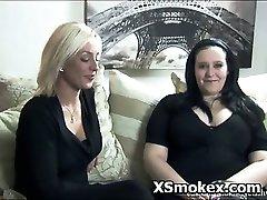 Sexy Bitch Vilt Rykande Het Fetisch