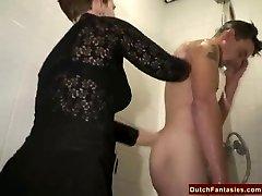 Stygg Nederlandsk Bestemor Fucks Office jente