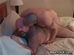 Big ass gay bears Dirk Grizzly en Chase part4