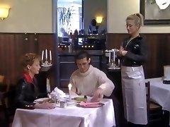 Isabel im Restaurant