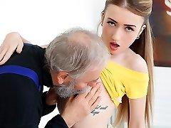 Empera में पुराने आदमी एक जवान लड़की - ओल्ड एन यंग