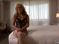 Cougar takes massive facial
