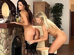 Piss drinking sluts and watersports lovers 6