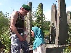 Arapske žene vole BNP ili veliki skandinavski penisa zapadnih vojnika, što je Orijentalna Arapska kurac previše mali