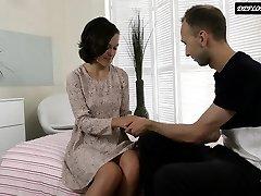 russe blackhaired teen aime être baisée