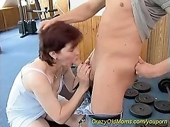 sporty mother loves fuckfest at the gym