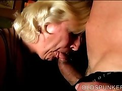 Chunky mature blonde is a super hot boink and loves facials